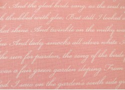 Patchworkstoff Schrift Text rosa Rose & Violets Garden