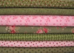 Stoffset Blumen Rauten grün rosa