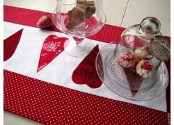 Tischläufer rot weiß