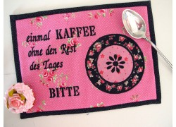 MugRug ein Tassenteppich in pink schwarz