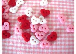 Knöpfe Herzchen mini weiß rosa rot Dress It Up Kunststoff